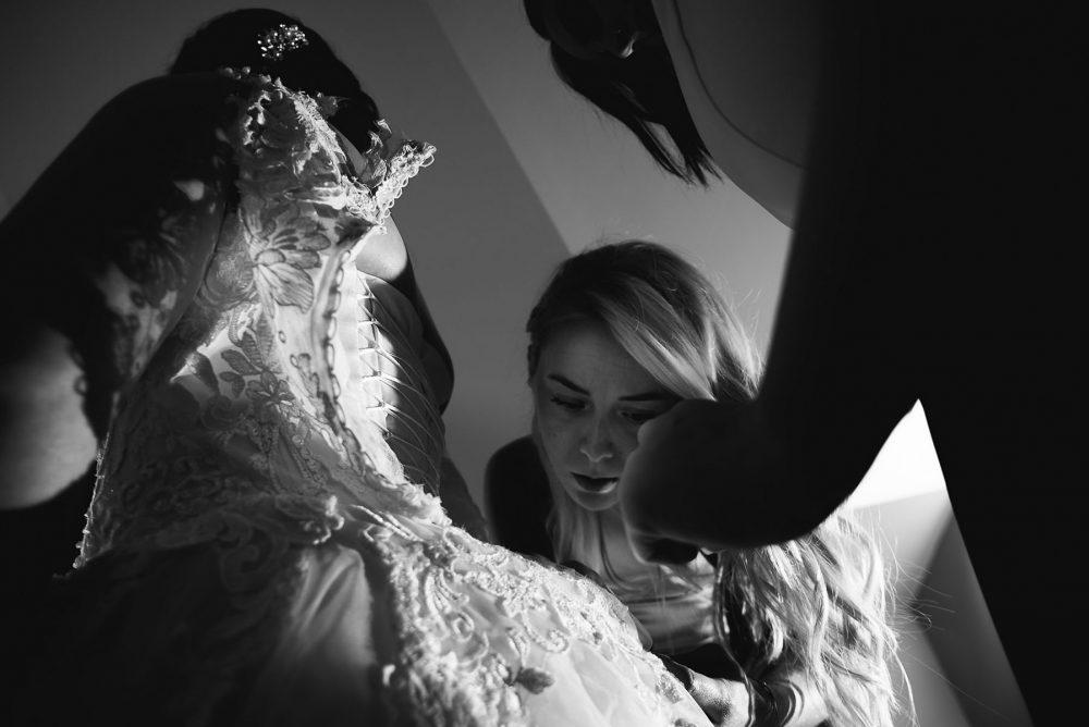 fotograf-s-citom-svadobny-obrad-vinarska