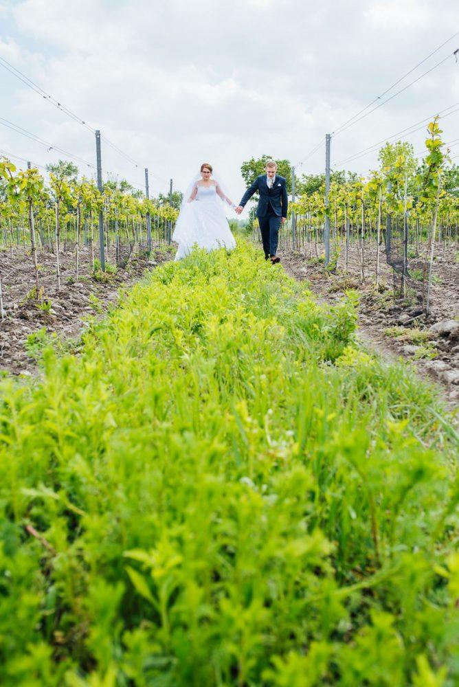 maros-markovic-nevesta-svadobne-modra